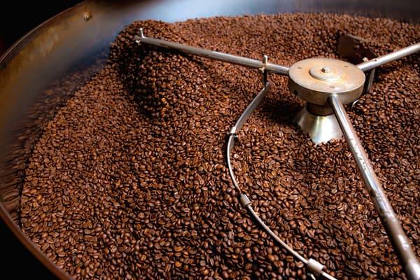 does salt cut the acid in coffee
